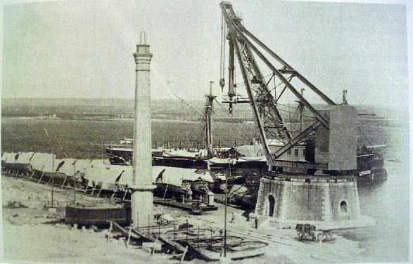 La gru di Taranto