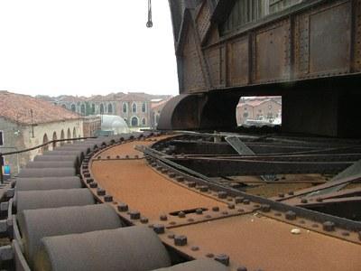 La gru di Venezia - La piattaforma girevole