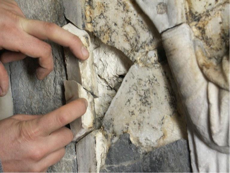 Rimozione della vecchia stuccatura