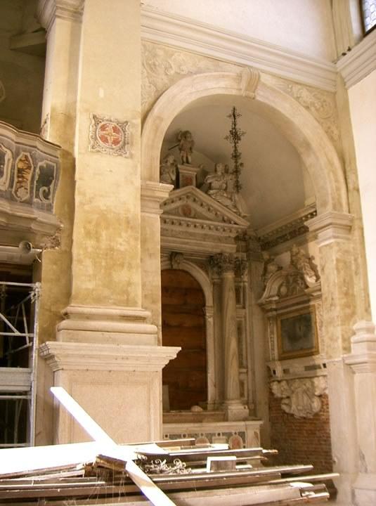 Recupero di intonaci e pennacchi della navata