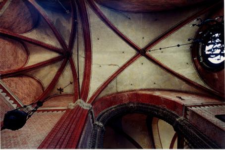 lesioni sulla volta della cappella di San Pietro nella Chiesa dei Frari