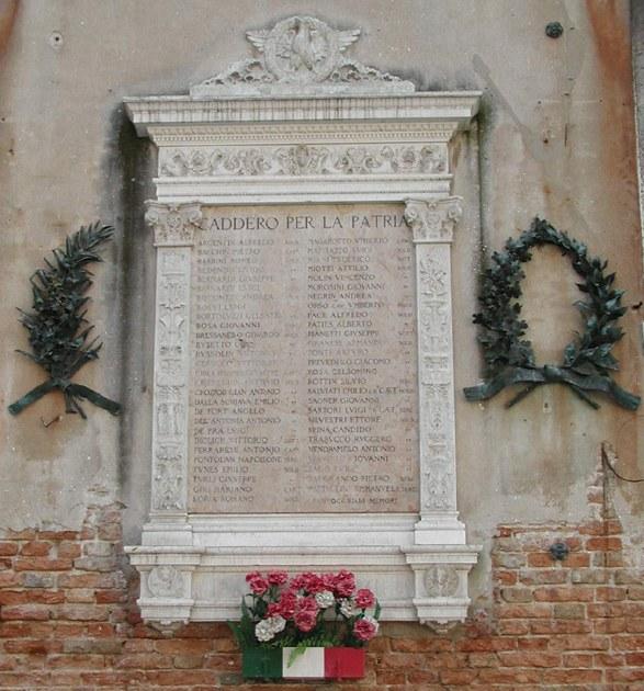 Palazzo Pemma, lapide commemorativa